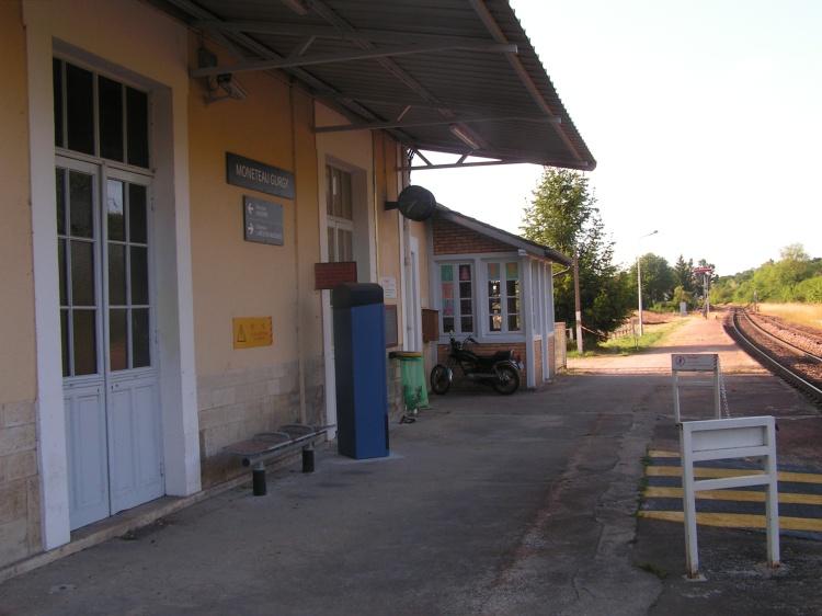 Vue de la gare côté quai