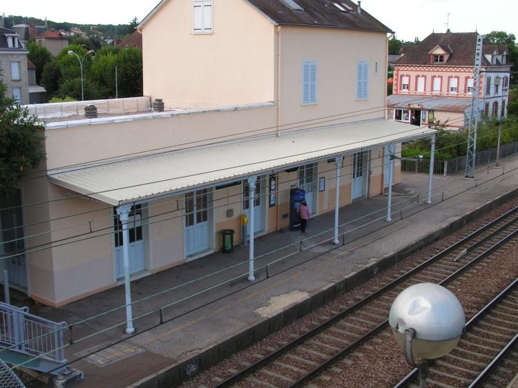 Vue de la gare à partir de la passerelle