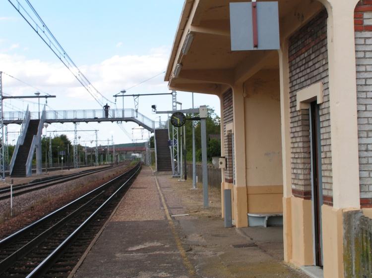 Vue côté quai Laroche-Dijon
